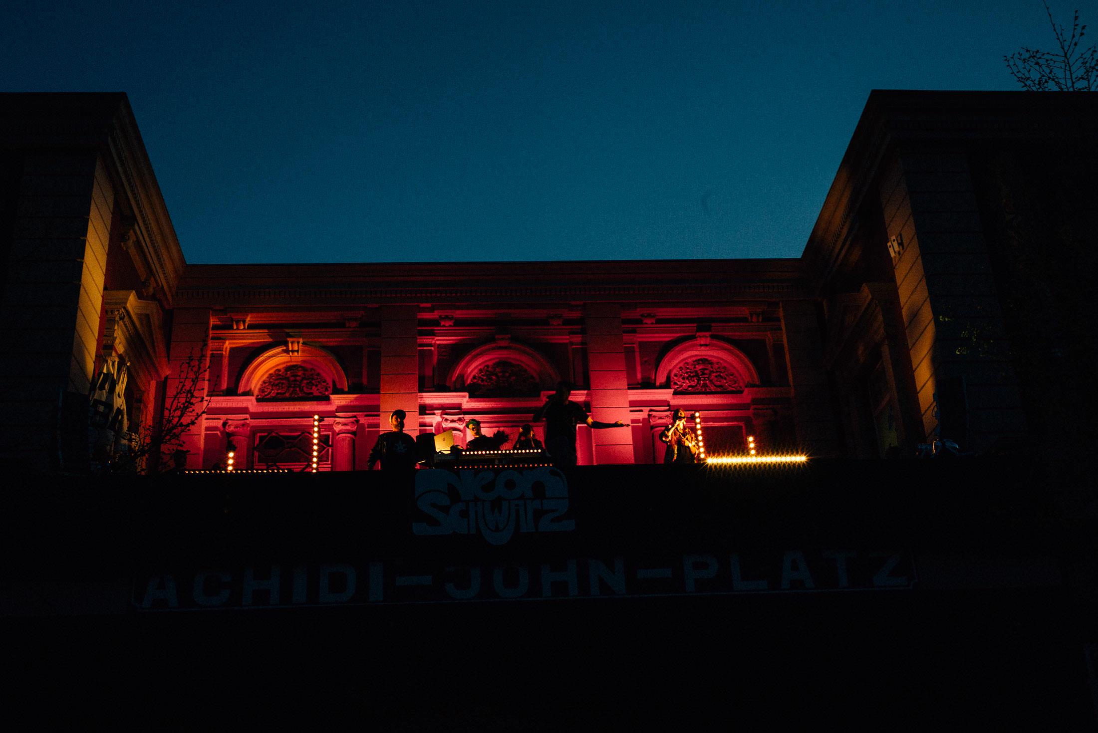 Neonschwarz - Rote Flora 2016